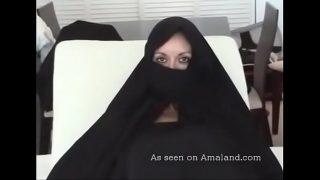 Hot desi mature babe sucking big dick